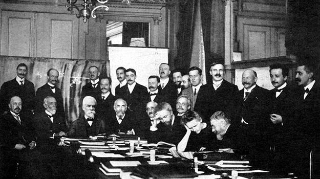 Solvay Conference 1927 (BENJAMIN COUPRIE / WIKIMED
